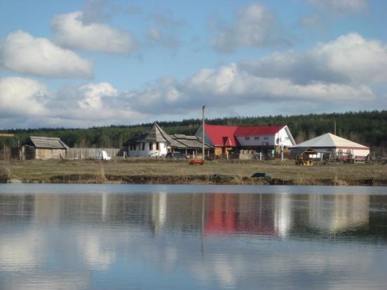 Кафе Рыбацкий Кордон. Вид с озера.